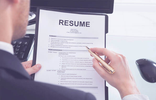 The major mistakes to avoid in making a resume