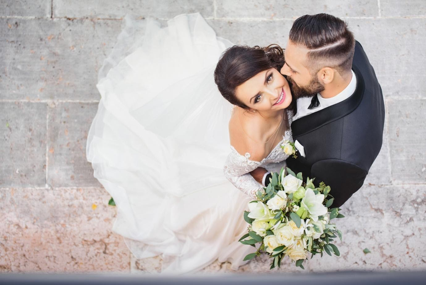 The Ultimate Guide On How to Plan a Wedding
