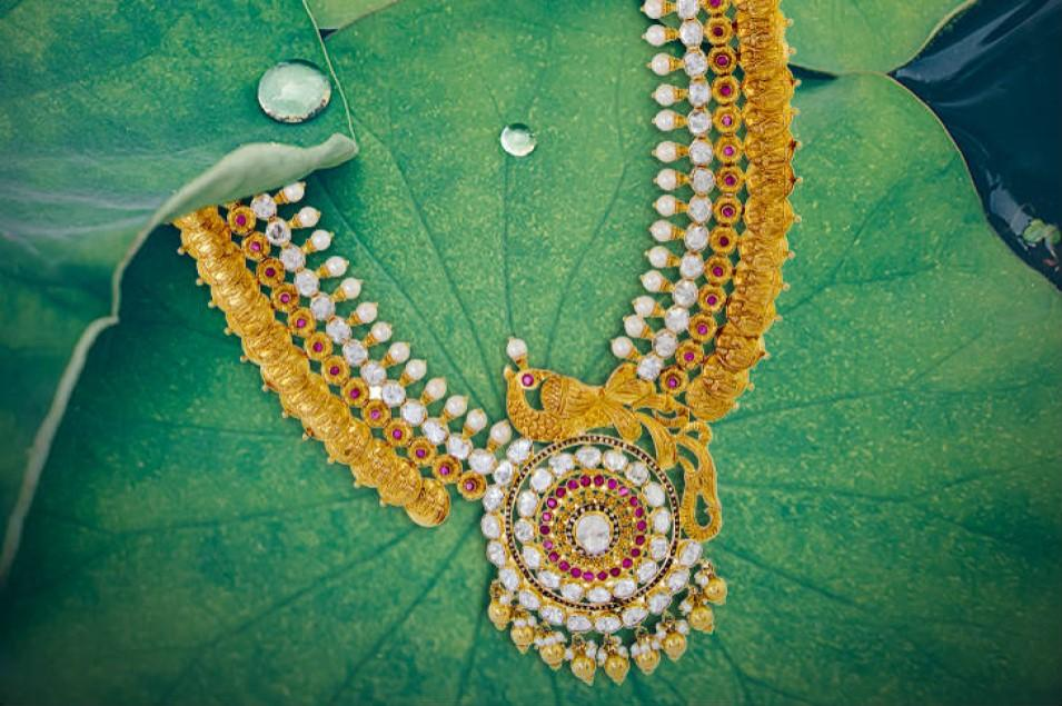 Coral Pearl Gold Necklace