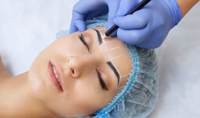 A professional guide to semi-permanent eyebrows treatment