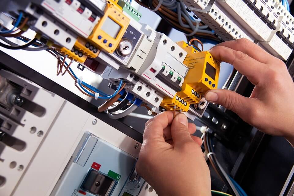 The Importance of Hiring Commercial Electrical Installation Services for Your Business